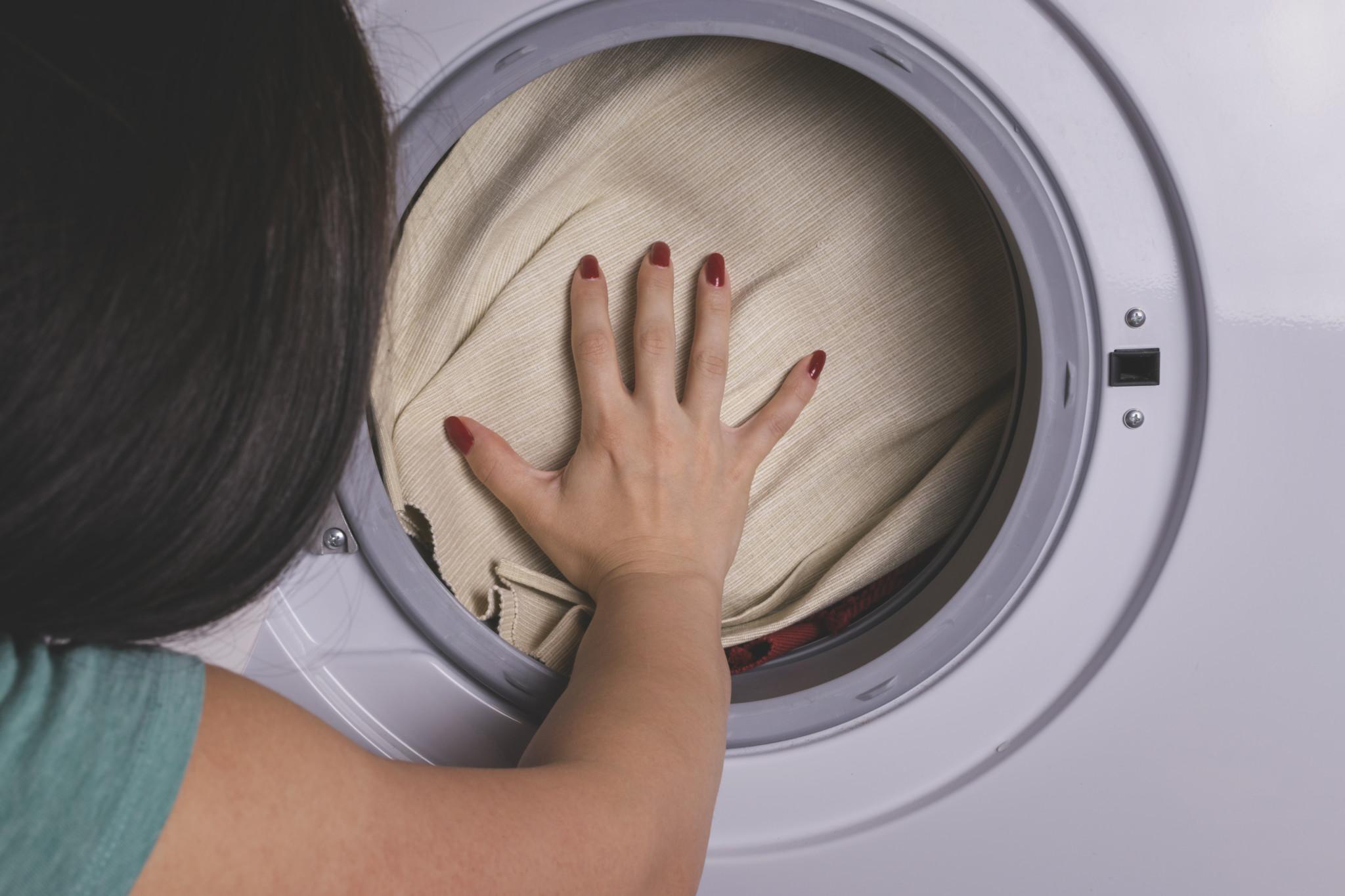 Praní prádla před zásahem
